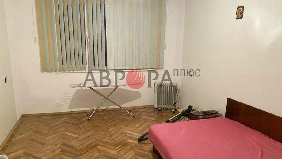 двустаен апартамент айтос 3p81xjqn