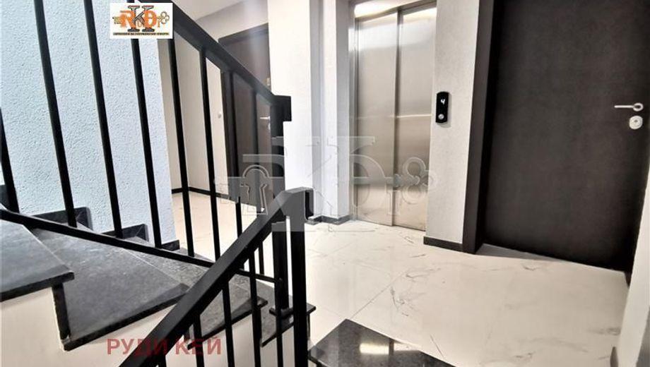 двустаен апартамент варна lrctlprc