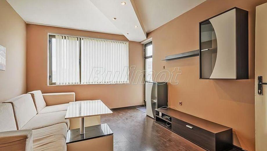 двустаен апартамент варна yh17d36r