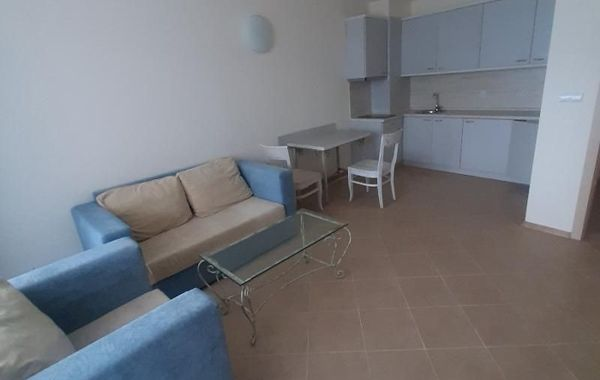 двустаен апартамент каварна vpq3k84l