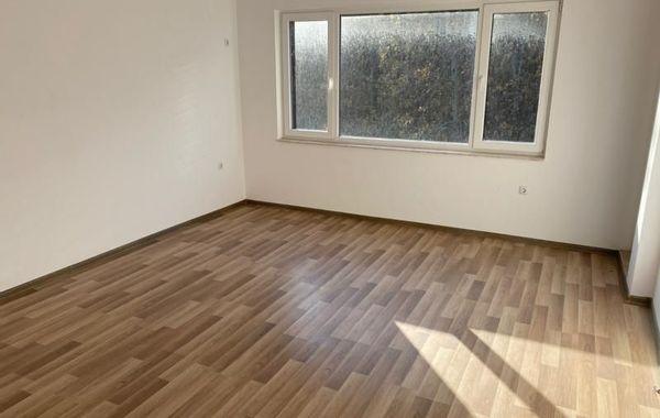 двустаен апартамент китен eqg7cdvy