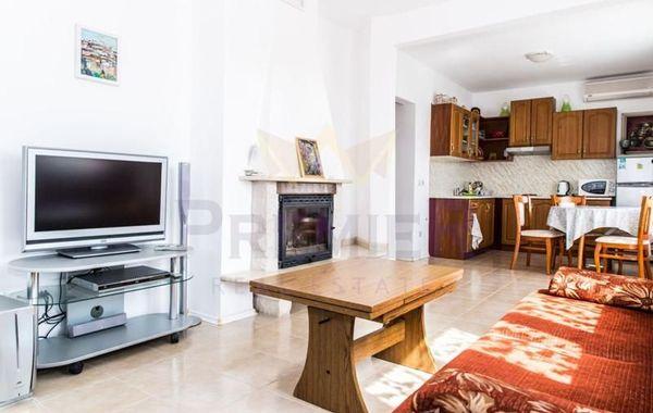 двустаен апартамент кранево 5dat647p