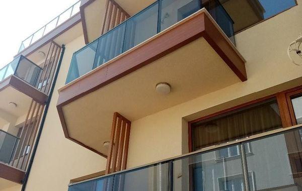 двустаен апартамент кранево sytjtbdn