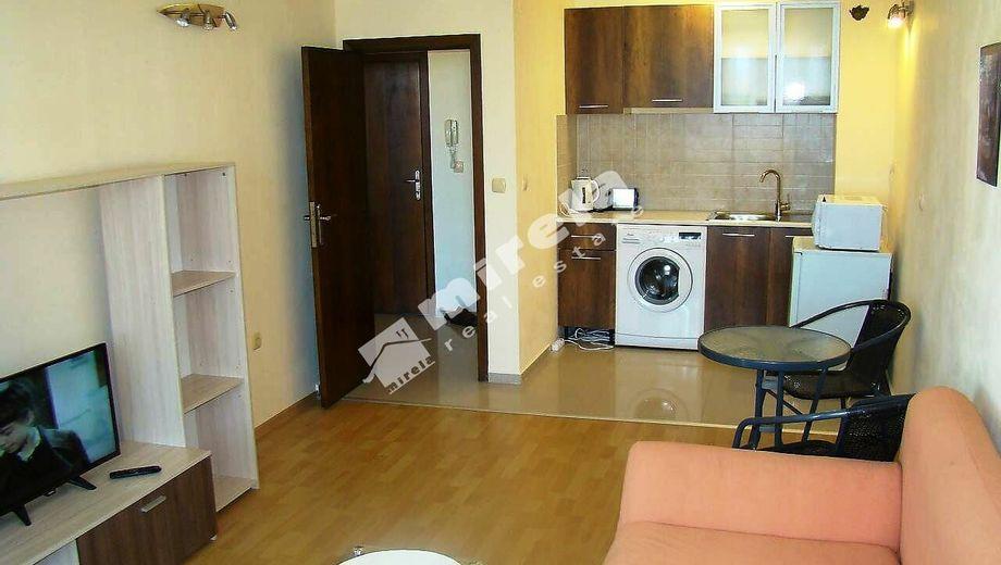 двустаен апартамент черноморец tc2hrwrb