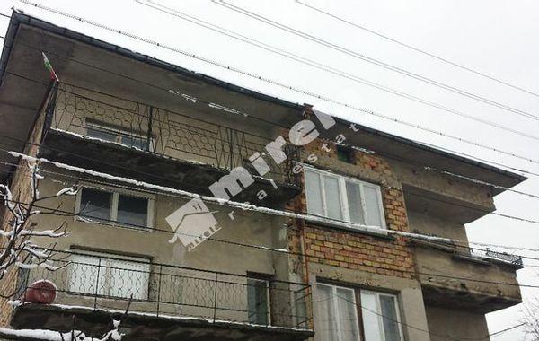 етаж от къща лясковец r56q2wrc