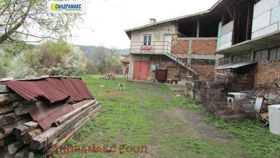имот панчарево 8rw1699j