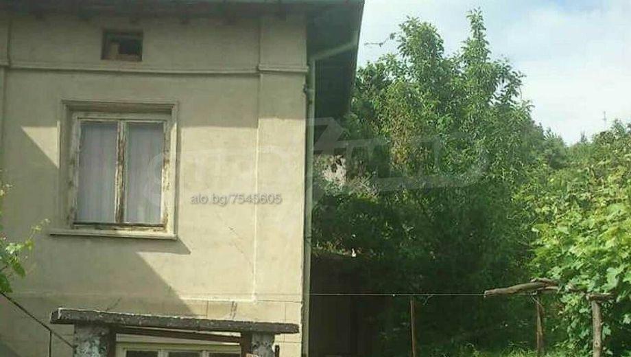 имот севлиево sp8d7j1f