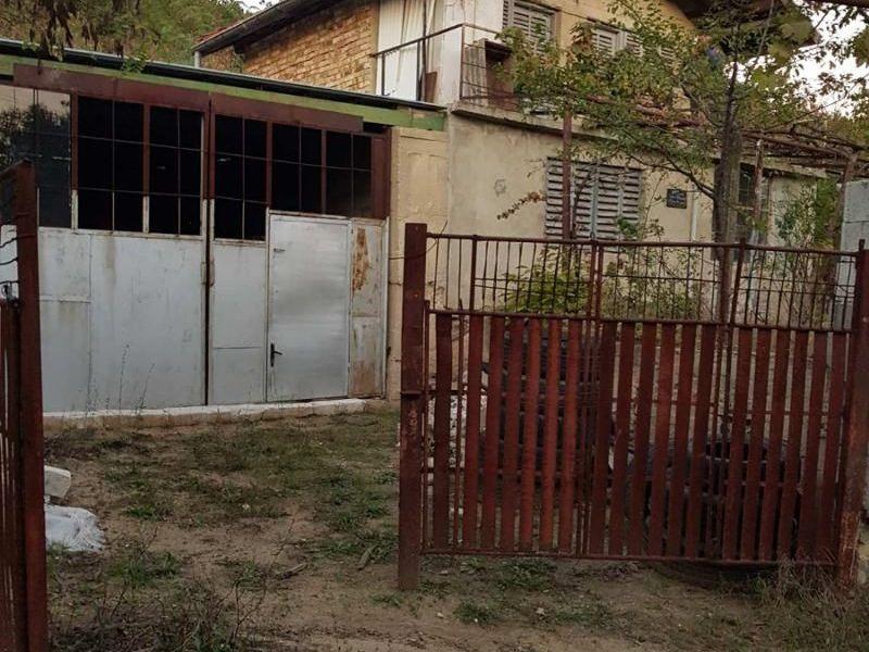 къща аксаково b9nr9d2j