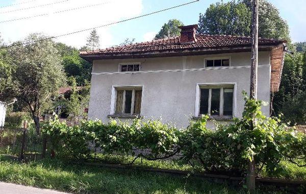 къща априлци cm9964fa
