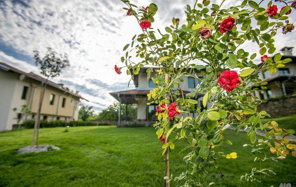къща априлци q4664sfm