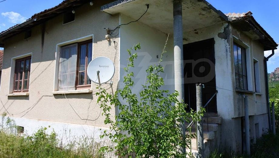 къща боровица vya3k93y