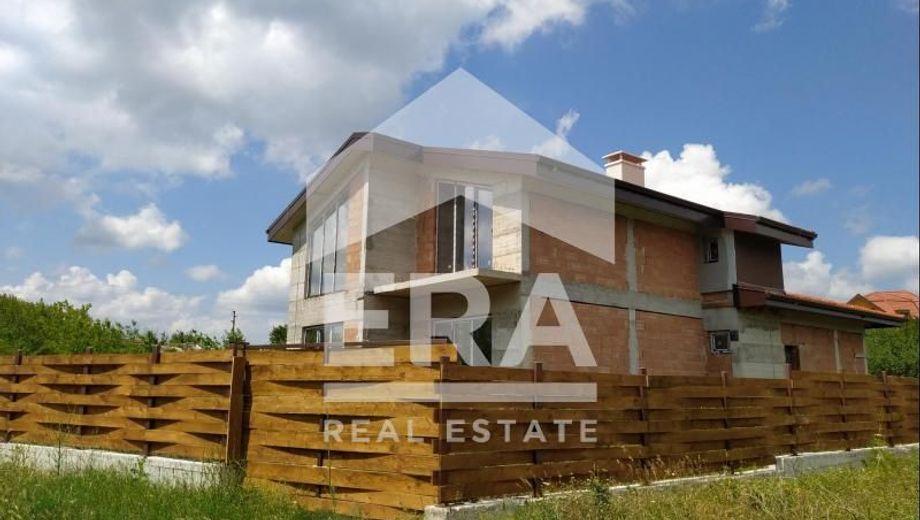 къща българия 6yx5a9x5