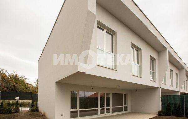 къща варна 4htydb4u