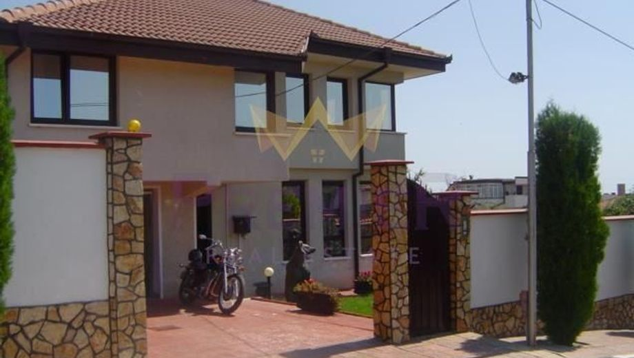 къща варна qcvueg3s