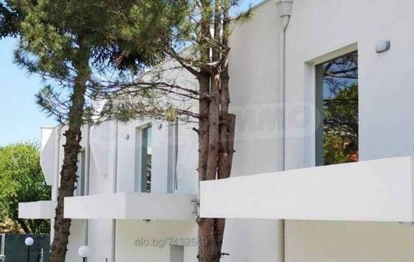 къща варна rb4qmumq