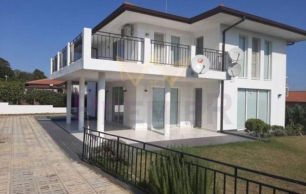 къща варна x8y81325