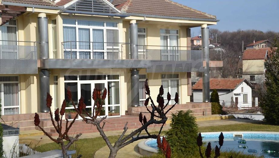 къща варна xxl8tq8r