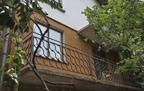 къща владо тричков flx6j9lt