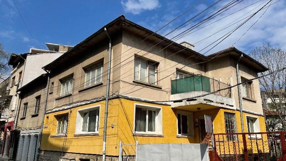 къща враца 2u6psp1v