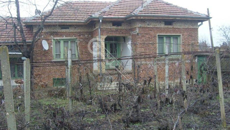 къща вързулица u6q87vfv