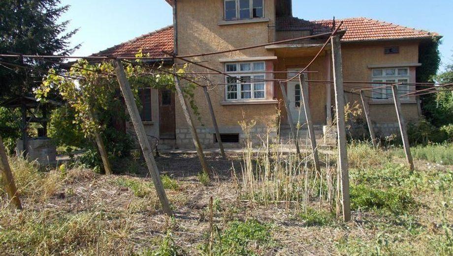 къща драганово ub59ebpq