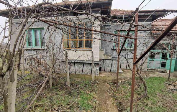 къща иванча 41v98nld