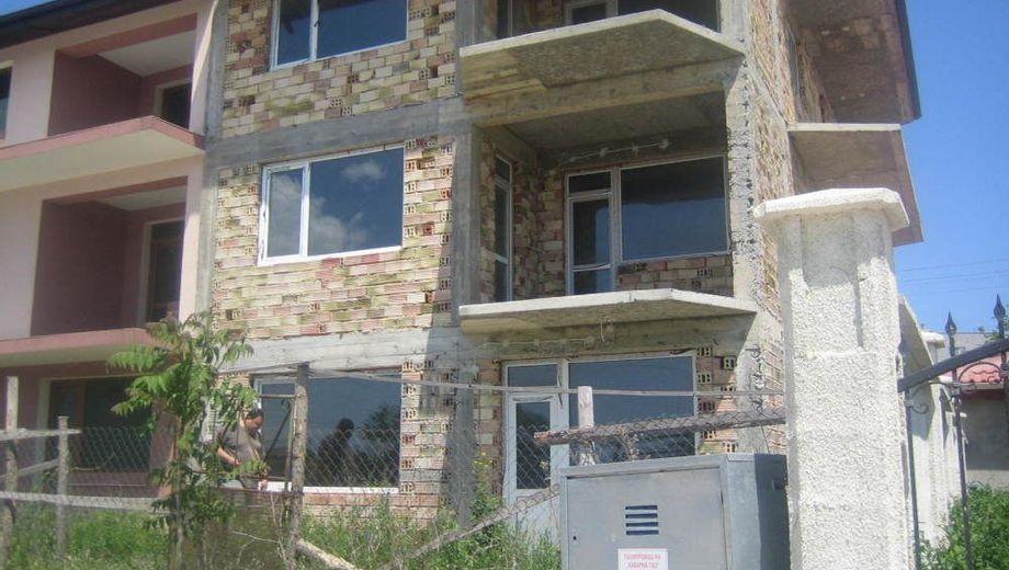 къща каварна 8ncant35