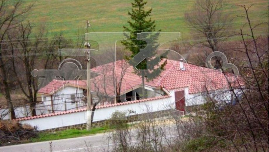 къща комунари 85cvblyc