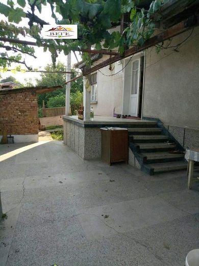 къща могила n49mpw72