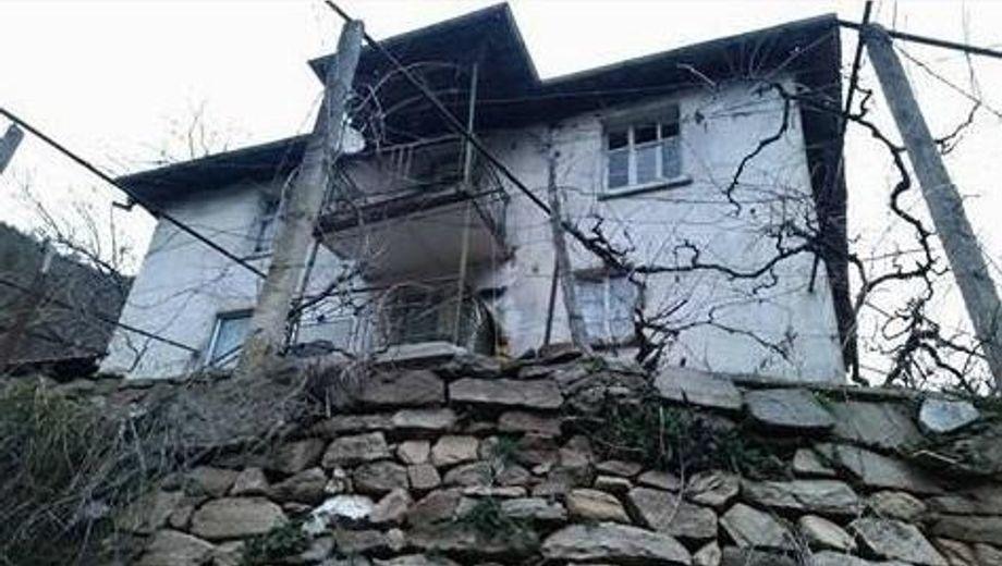 къща нареченски бани qedp159p