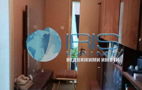 къща нови пазар 9ukt3n9u