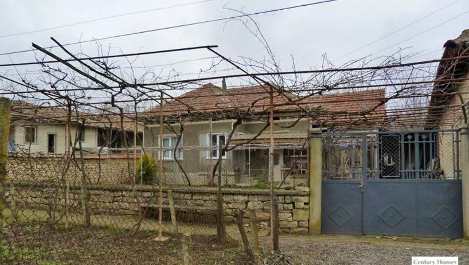 къща полски сеновец f93v62gn