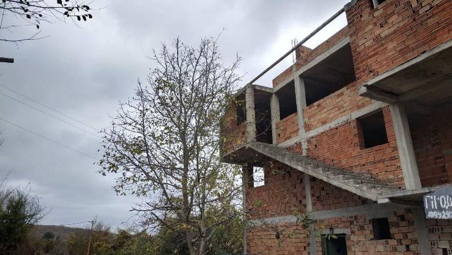 къща прилеп klmljn98