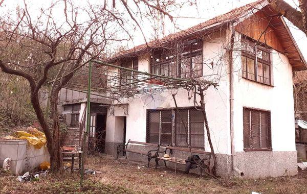 къща своге sfuaf91m
