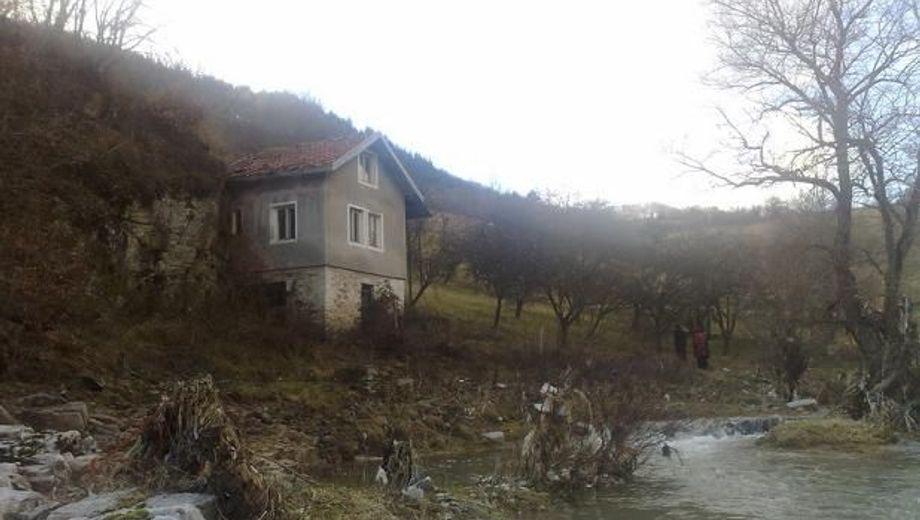къща смолян uea9amm7