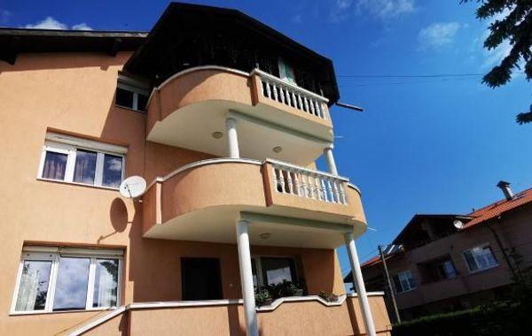 къща софия dwelwht2