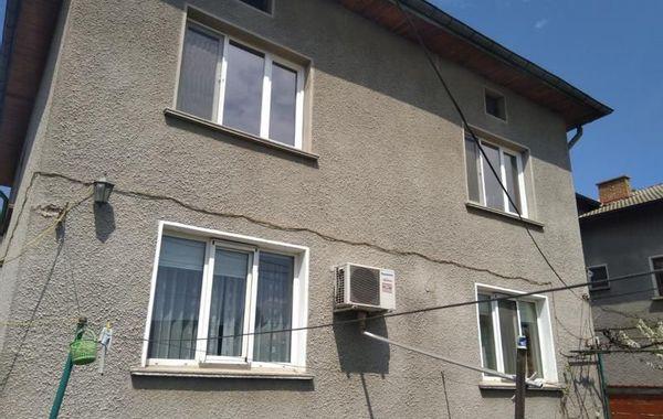 къща софия f34nrrht