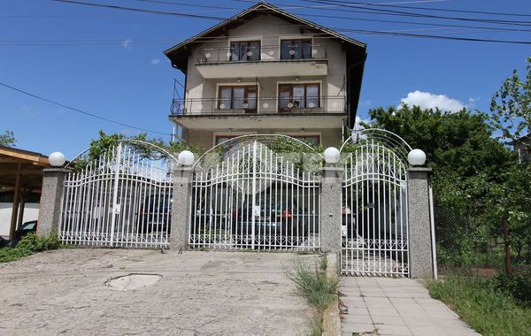 къща софия htcceu83