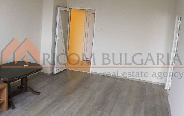 многостаен апартамент варна yrs4592d