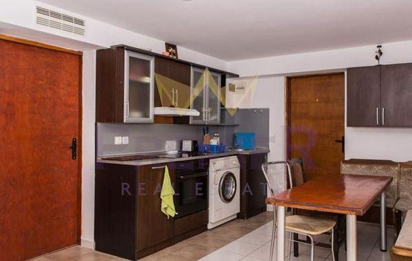 многостаен апартамент кранево fr26k128