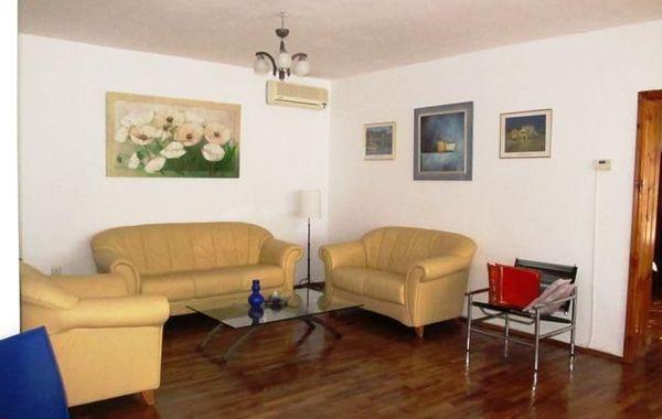 многостаен апартамент търговище 4y9my6ec