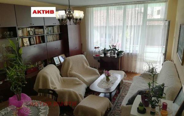 многостаен апартамент търговище enjw7d5c