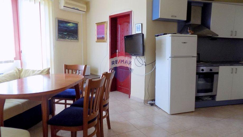 тристаен апартамент ален мак 4f8vqqsq