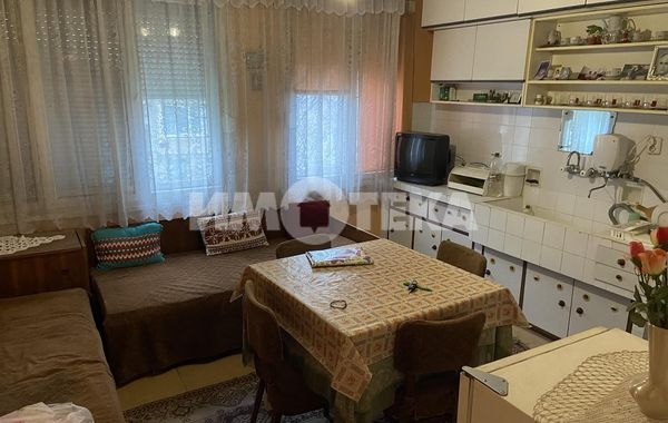 тристаен апартамент асеновград aqjttvn7
