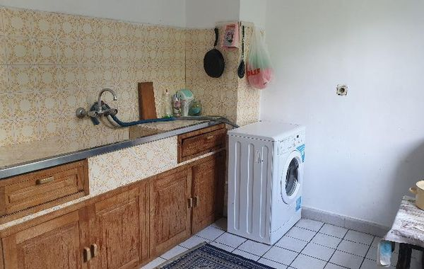 тристаен апартамент баня jhngfsj3