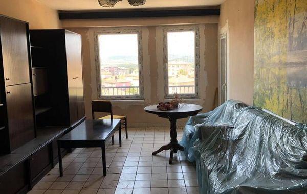 тристаен апартамент баня xnre3k1r