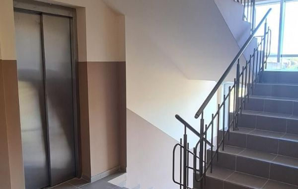 тристаен апартамент бургас 3xhlhus2