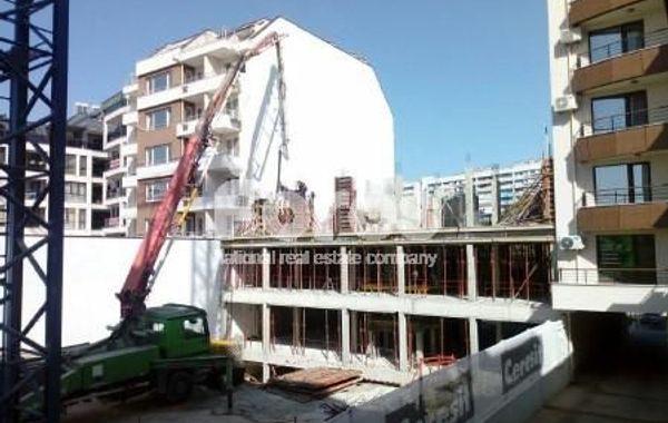 тристаен апартамент бургас 6xg7bjge