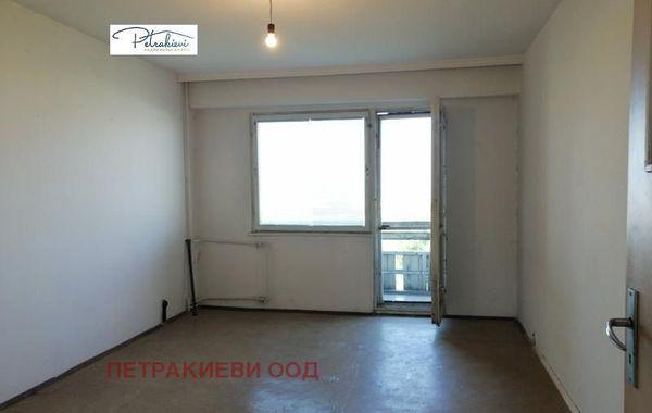 тристаен апартамент бургас 78w25q1b