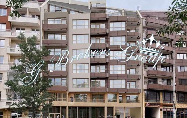 тристаен апартамент бургас b884sa3v